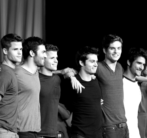 6 Reasons Why You Should Watch Teen Wolf.