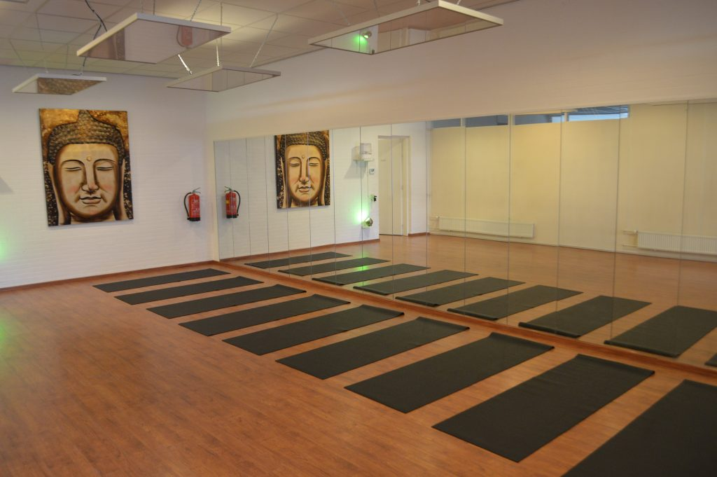New Yoga Studio: Hot Yoga Place Rotterdam